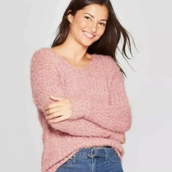 Knox Rose pink fuzzy sweater size small
